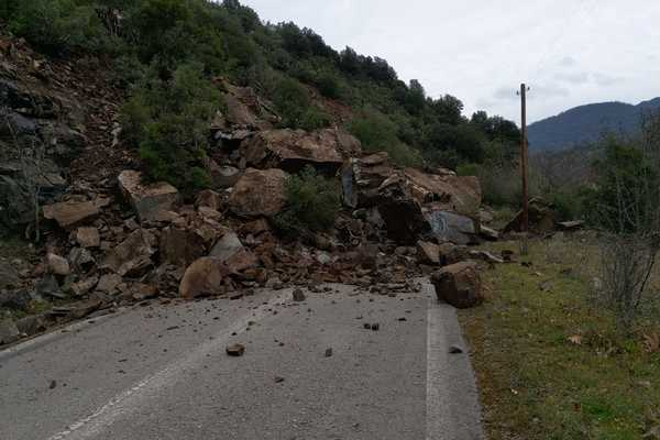 landslide3naypaktia